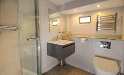 Double cabin bathoom